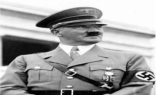 الكشف عن رسائل نادرة لوالد هتلر بعد سنوات من السرية