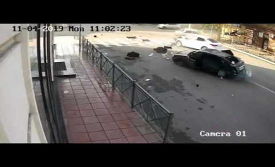 بالفيديو : عدم ربط حزام الأمان كاد يودي بحياته في داغستان
