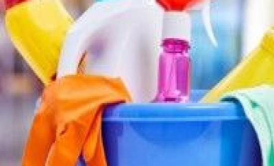 مواد التنظيف الكيماوية خطر على الصحة.. هذه أفضل البدائل