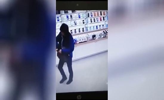 بالفيديو : لص يقع في قبضة الأمن بعد سرقة واعتداء في روسيا