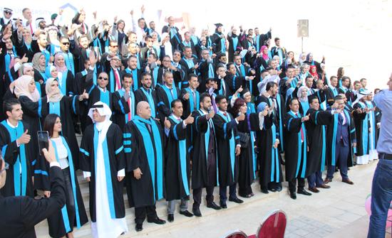 """في بث حي ومباشر - حفل تخريج طلبة """"عمان العربية"""" ... الخميس"""