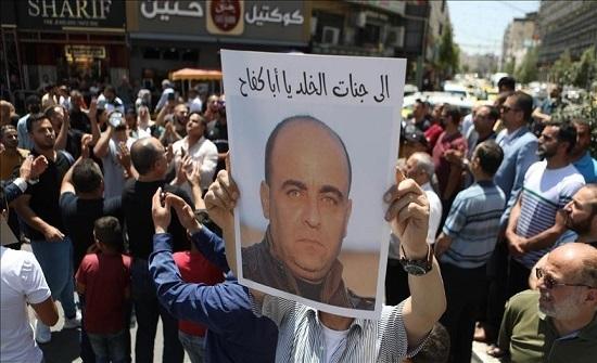 """وزير العدل الفلسطيني: """"بنات"""" تعرض لعنف جسدي ووفاته """"غير طبيعية"""""""