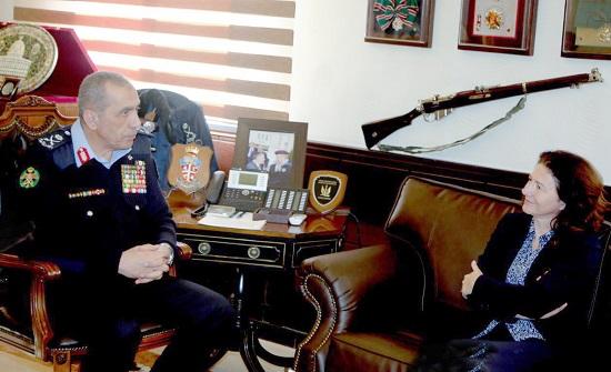 مدير الأمن العام يلتقي السفيرة الفرنسية
