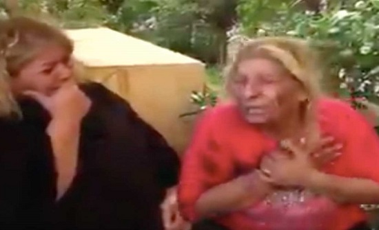 فيديو مؤلم.. ام لبنانية تبكي ابنها الذي انتحر بسبب الازمة المعيشية!