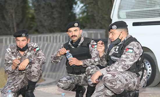 الأمن ينفذ خطة شاملة لمساعدة المواطنين في رمضان .. صور
