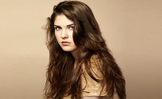 6 أسباب تجعل الرجل ينجذب إلى المرأة ذات الشعر الطويل