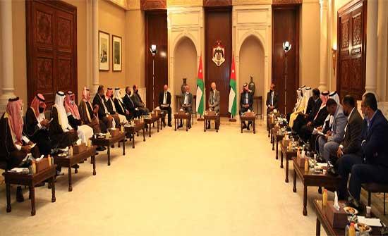 توجيهات ملكية..العيسوي يلتقي شيوخ ووجهاء البادية الوسطى لمتابعة مطالب مناطقهم