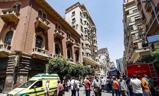 مصر.. مصرع فتاة سقطت من الطابق السابع وخطيبها يلقي بنفسه خلفها