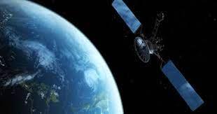 أول طاقم محطة فضاء صينية يعود إلى الأرض