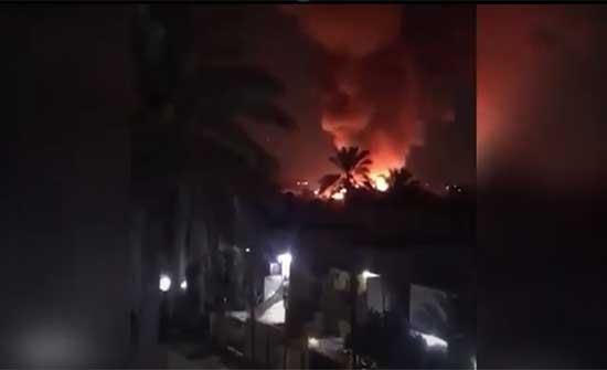 حريق داخل منطقة مطار المثنى وسط بغداد .. بالفيديو