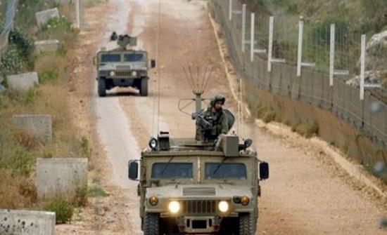 عناصر من جيش الاحتلال تجتاز السياج التقني بجنوب لبنان