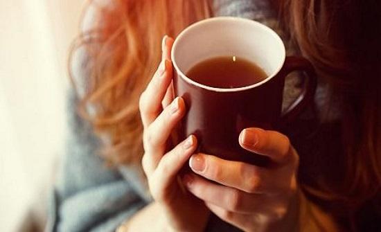 علاقة الشاي بتأخير الشيخوخة