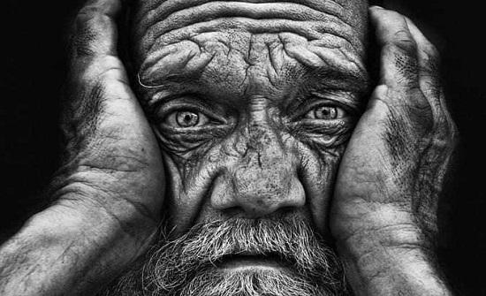 العجوز ... بالصور
