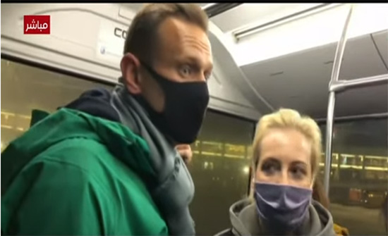 الأمن الروسي يعتقل المعارض أليكسي نافالني لدى وصوله موسكو