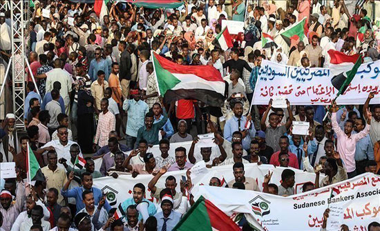 السودان..قوى التغيير تعود للتفاوض ووفد الجامعة بالخرطوم