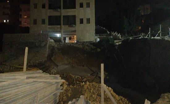 ضاحية الرشيد : اخلاء سكان عمارة تتكون من 7 طوابق
