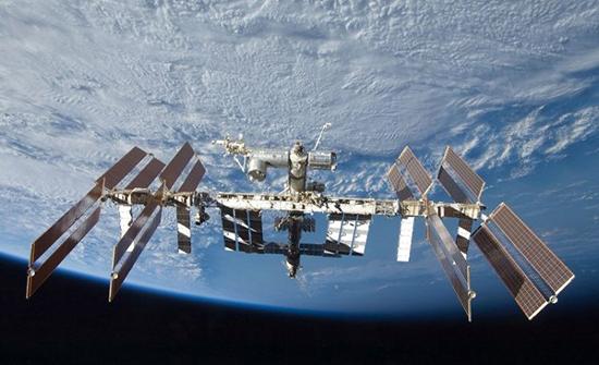 عودة أربعة رواد من محطة الفضاء الدولية الى الارض
