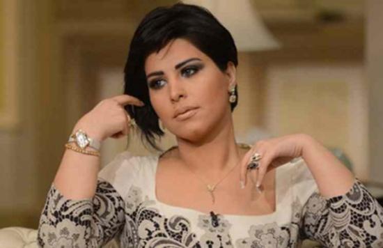 شمس الكويتية تثير الجدل بالدعوة إلى مشاركة التقبيل... مَن قصدت؟