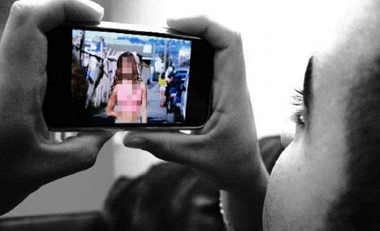 مصر : رجل يبتز زوجته بصور فاضحة لإجبارها على الإنفاق عليه