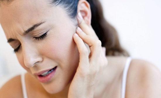 دراسة: طنين الأذن قد يكون عرضًا لسرطان البلعوم الأنفي