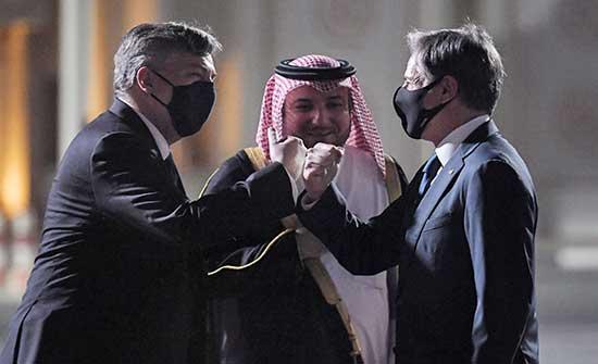 CBS : مغادرة 4 أمريكيين أفغانستان مع وصول بلينكين إلى قطر