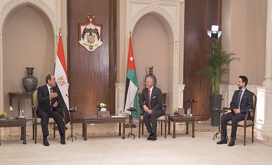 الملك يجري مباحثات موسعة مع الرئيس المصري في قصر بسمان