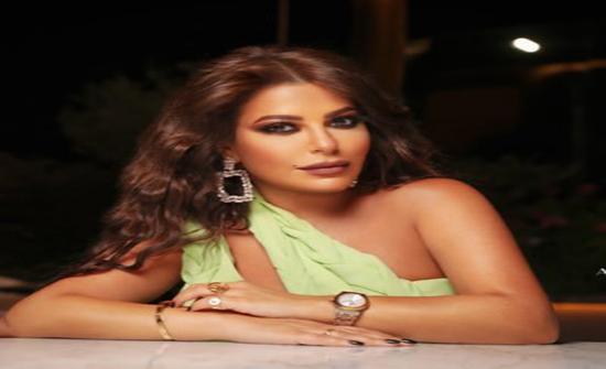 ليليا الأطرش تتجاهل وفاة حاتم علي.. وتطل على الجمهور بفيديو راقص وملامح غريبة!