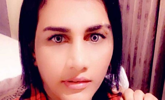 """السعودية.. السجن 10 أشهر ليمني متشبه بالنساء ظهر في فيديو """"خادش"""""""