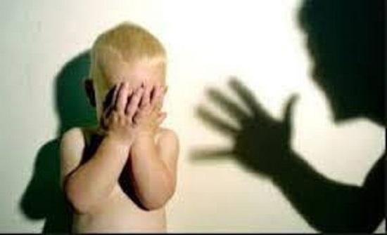 الزرقاء : توقيف أم بعد ضربها لرضيعها وتصويره