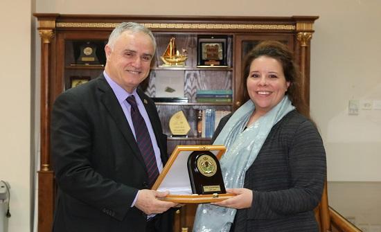 وفد من السفارة الأمريكية في عمان يزور جامعة الحسين بن طلال
