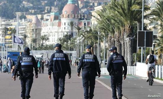 """فرنسا تستنكر """"سوء التفسير"""" ومسلموها ينتقدون رسائلها """"المزدوجة"""""""