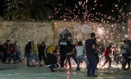 حزب التيار الوطني يدين اعتداء الاحتلال الاسرائيلي على المصلين بالأقصى