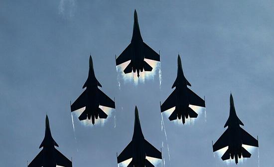 """الجزائر تستعد لاستلام 16 طائرة """"سو 30"""" و14 طائرة """"ميغ 29 آم"""" الروسية"""
