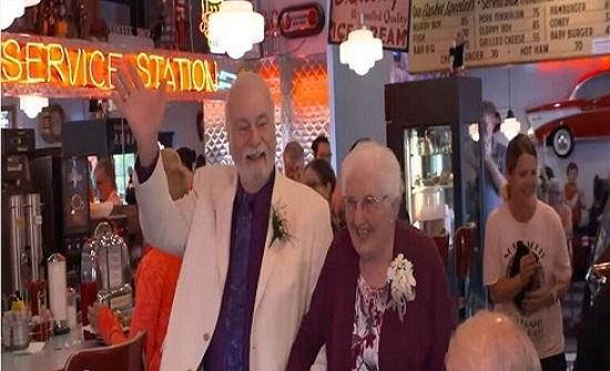 افترقا قبل 64 عاماً.. ثمّ التقيا وتزوّجا!
