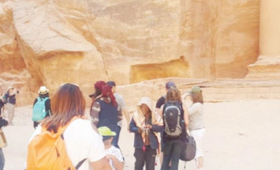 السياحة والآثار تدعو للالتحاق بمهنة الدلالة