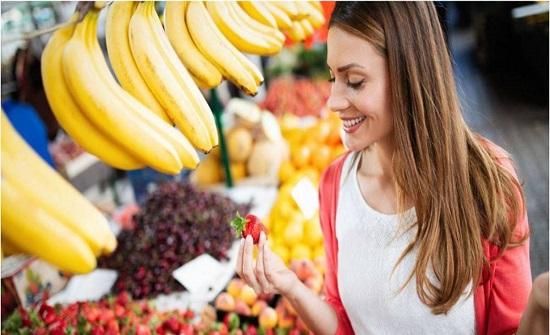 إيّاكم شراء الخضار والفاكهة المقطعة سلفًا!