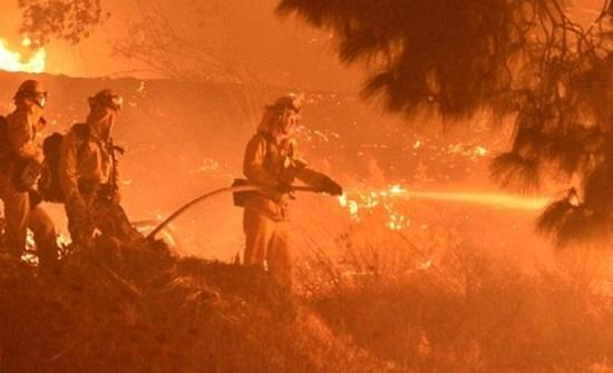 الرياح تؤجج حرائق كاليفورنيا لليوم الثاني