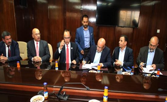 وزير المياه والري يوقع اتفاقية تزويد البوتاس العربية باحتياجاتها المائية