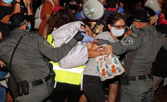 مظاهرات حاشدة في تل أبيب ضد نتنياهو .. بالفيديو
