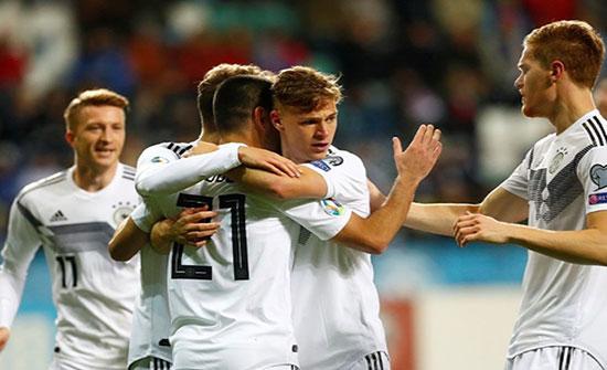 ألمانيا تهزم إستونيا وتلتحق بهولندا في الصدارة (شاهد)
