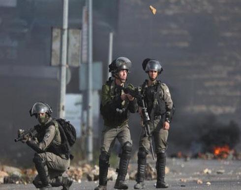 الاحتلال يبدأ بفرض مسؤولية الجيش على الأحياء المقدسية خلف جدار الفصل