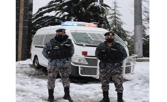 صور من جهود مرتبات الأمن خلال المنخفض الجوي