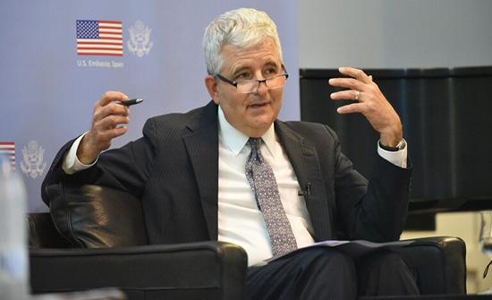 """سفارة واشنطن بمدريد: البيت الأبيض يراجع اعتراف ترامب بـ """"مغربية"""" الصحراء"""