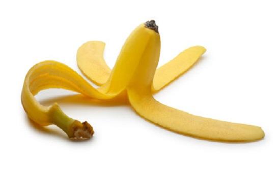 قشر الموز تعيد الحياة إلى النباتات المنزلية