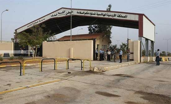 """عزايزة : الحدود مع سوريا """"مفتوحة"""" ونبحث دخول الشاحنات الأردنية إليها"""