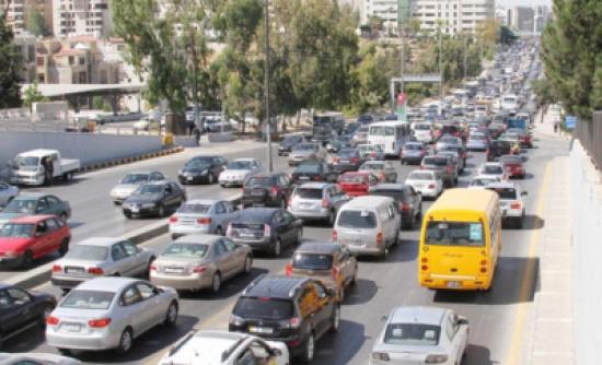 ازدحامات مرورية تشهدها شوارع عمان