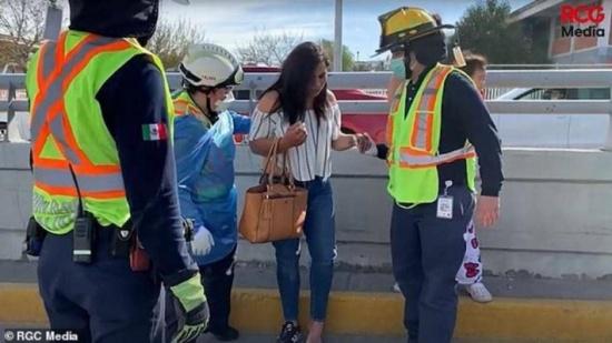 """المكسيك : بطريقة غير متوقعة.. حادث سير يكشف """"خيانة زوجية"""""""