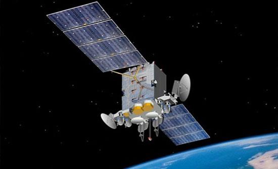 اطلاق قمرين صناعيين للفضاء الخارجي