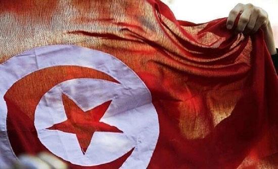 وزير تونسي يستقيل من منصبه لينتقل للعمل بكندا (صور)