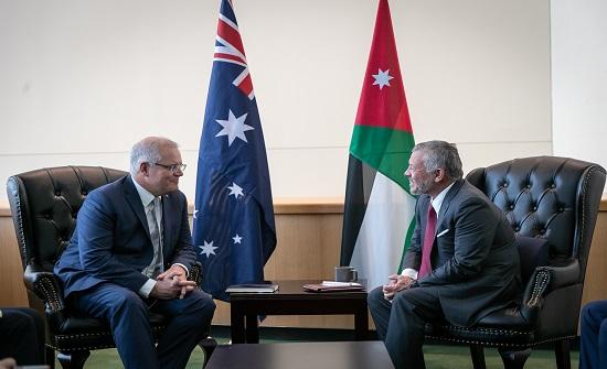 الملك يلتقي رئيس الوزراء الأسترالي